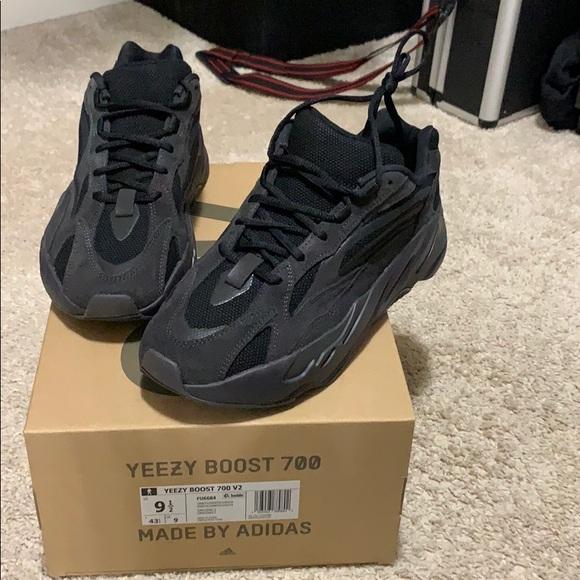 yeezy boot 700